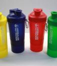 Súper Coctelera de Nutrición Herbalife completa con diferentes compartimentos, disponible en cuatro colores, con tapa y bola antigrumos y de 500ml.  Coctelera de Herbalife Nutricion y deportista deportiva de colores